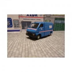 Camionnette Renault Master 1 bleu EDF - MAKETIS