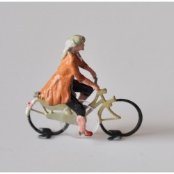 Ready-made cyclist woman, HO/OO for Magnorail System