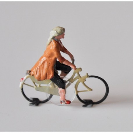 Ready-made cyclist woman, HO/OO for Magnorail System MR135.2 - MAKETIS