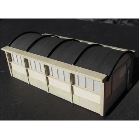 Atelier SNCF - 4 fenêtres rectangulaires, murs crépi N