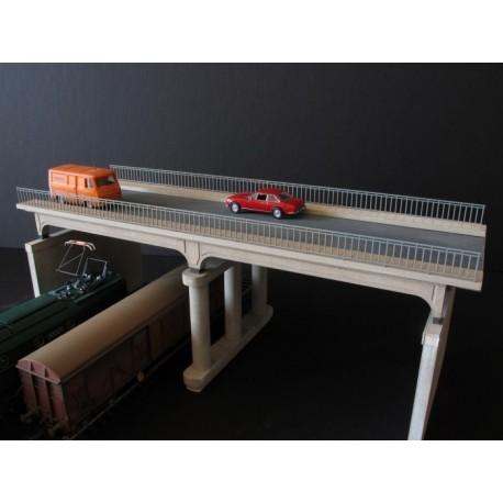 Pont routier poutres béton - garde-corps béton HO