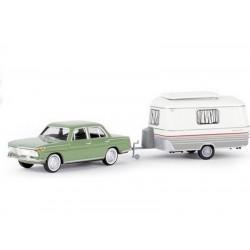 BMW 1500 avec caravane Eriba (Brekina 24431)