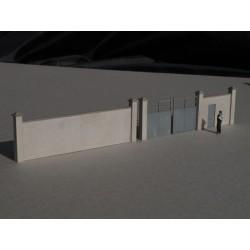 Murs d'enceinte en ciment avec portail - Echelle HO Cités Miniatures BV-005-4-HO