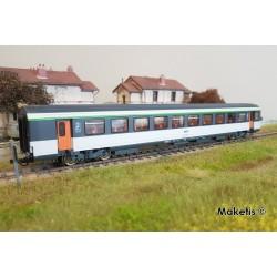 Voiture 2ème classe VTU Corail SNCF Ep IV HO Roco 74532