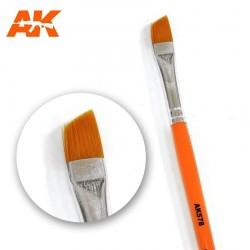 Brosse plate en diagonal pour effets d'usures AK Interactive AK578 - Maketis