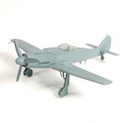 Avion Focke Wulf FW190D-9 1/72 Forces of Valor 873012A - Maketis