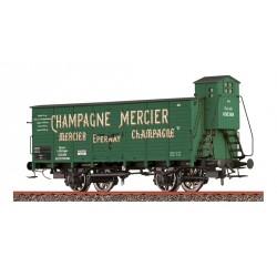 "Wagon couvert à essieux ""Champagne Mercier"" Ep I HO Brawa 49805"