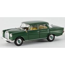 Mercedes Benz 190 C vert foncé HO Brekina-Starmada 13351