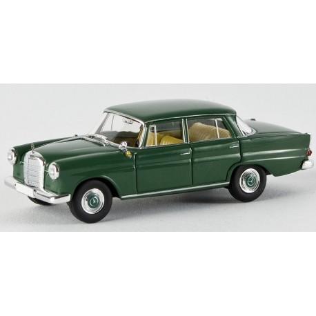 Mercedes Benz 190 C vert foncé HO Brekina-Starmada 13351 - Maketis