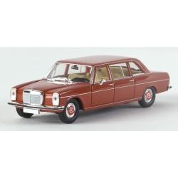 Mercedes Benz 220 D (W115) rallongée bordeaux HO Brekina-Starmada 13402 - Maketis