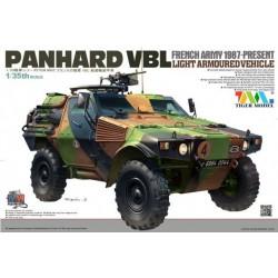 Patrouille française Panhard VBL 1987 avec armement léger 1/35 Tigermodel 4603
