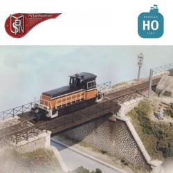 Single lane, right abutment steel deck bridge H0 PN Sud Modelisme 8702 - Maketis