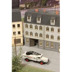 Immeuble de ville avec entrée pour voiture, fin 19ème siècle - Joswood 21013 - MAKETIS