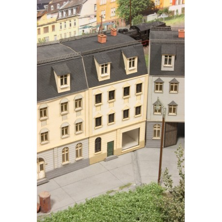 Stadthaus mit Ladenlokal - Joswood 21015 - MAKETIS