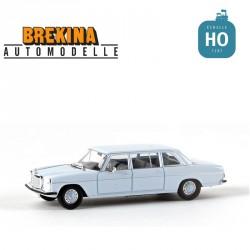 Mercedes Benz 220 D (W115) rallongée bleu ciel HO Brekina-Starmada 13403 - Maketis